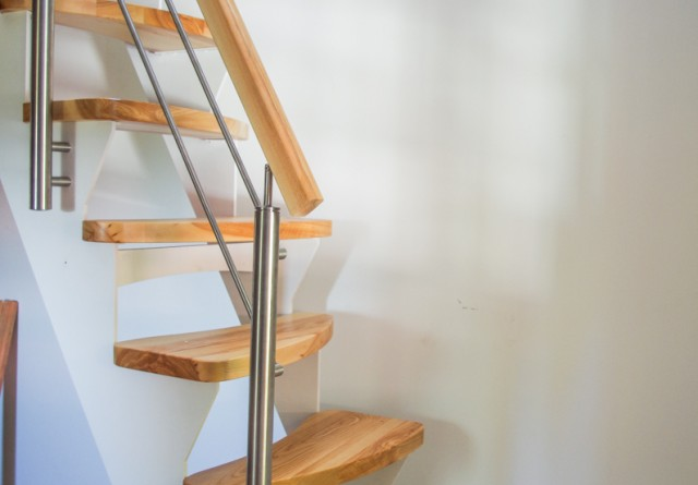 Dřevěné schodiště do malých prostor